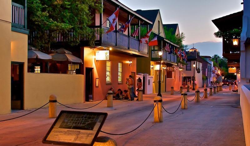 Evening-on-Hypolita-Street-in-downtown-St