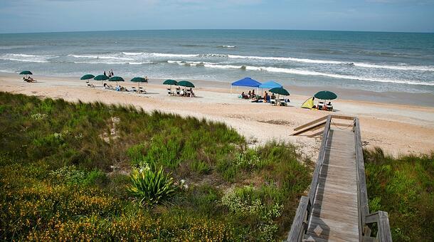 Serenata Beach Club