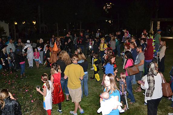 costume contest start resized 600