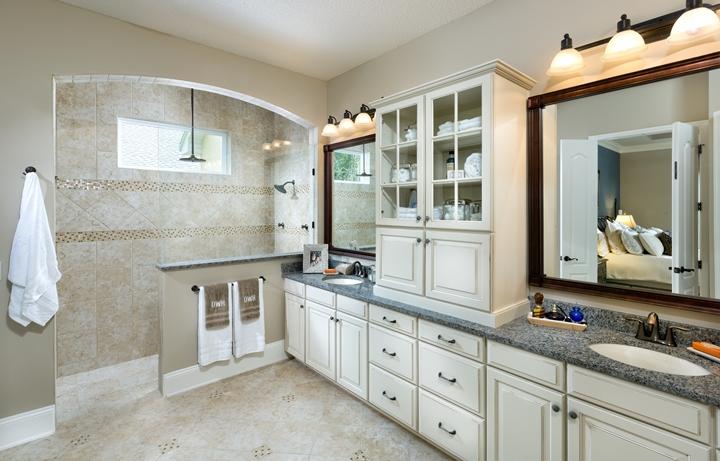 Greenleaf Village at Nocatee_David Weekley_masters suite bathroom