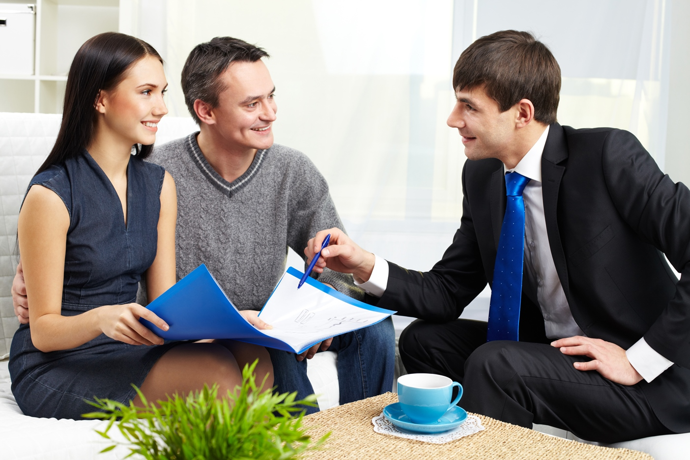realtor_and_clients-1