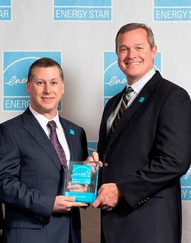 John Passe of ENERGY STAR (L) and Sean Junker of Providence Homes (R) - 2018 ES POY Award